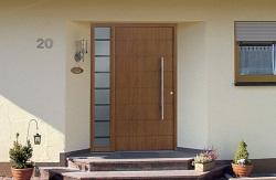 Качественная дверь для загородного дома