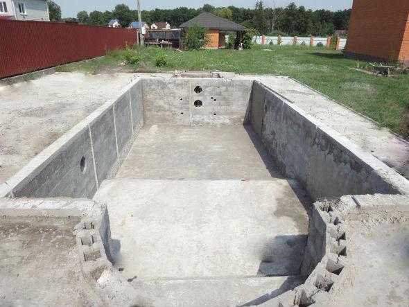 Строительство бетонного бассейна - советы + подборка фото
